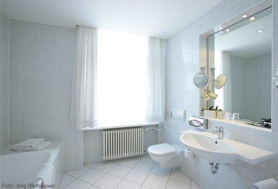 Günnewig Hotel Chemnitzer Hof: Badezimmer