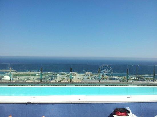 Barcelona Princess: vu de la piscine du toit