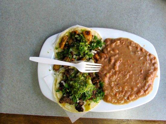 Taqueria San Bruno: Tacos and refries