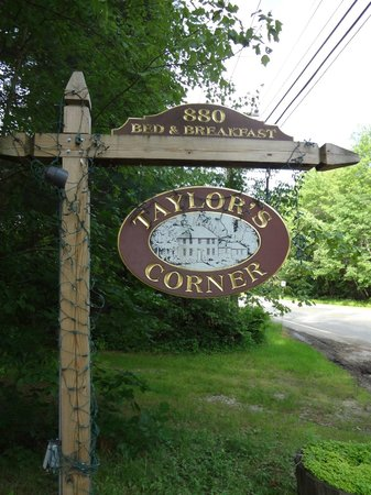 Bed and Breakfast at Taylor's Corner: Welcome sign