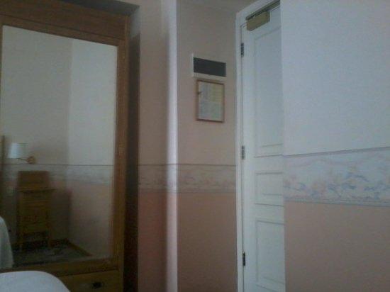 Hotel Roma e Rocca Cavour: camera 330