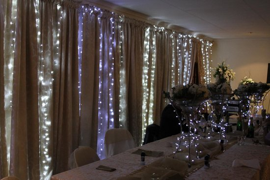 Stop 'n Stay Lodge: We held Louisa's 70th Birthday in this Conference Centre. The lights and Decor was FABULOUS