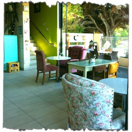 Shaana Cafe