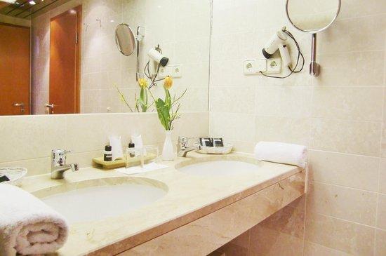 Guennewig Hotel Residence: Bathroom