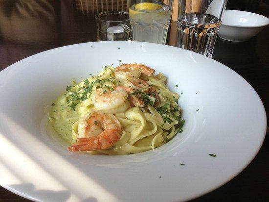 Huber's Essen & Trinken: Pesto Shrimp Pasta