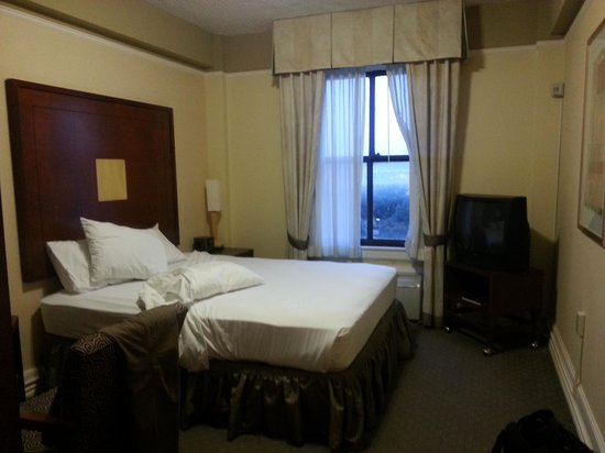 La Quinta Inn & Suites Dallas Downtown: room