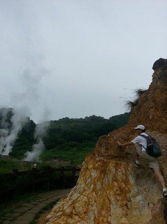 Niunai (Milky) Lake: 牛奶湖之硫磺谷~1