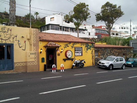 La Bodeguita de Enfrente - Outside view
