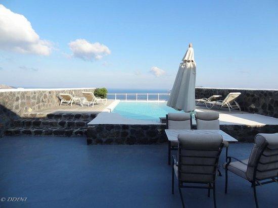 Thermes Luxury Villas: The terrace