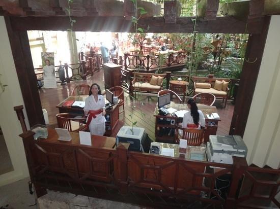 """Paradisus Cancun: Recepção do Royal Service (Lourdes e Aidee - serviço de """"concièrge"""")"""