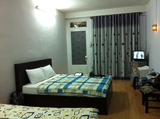 Nha Trang Inn: family room