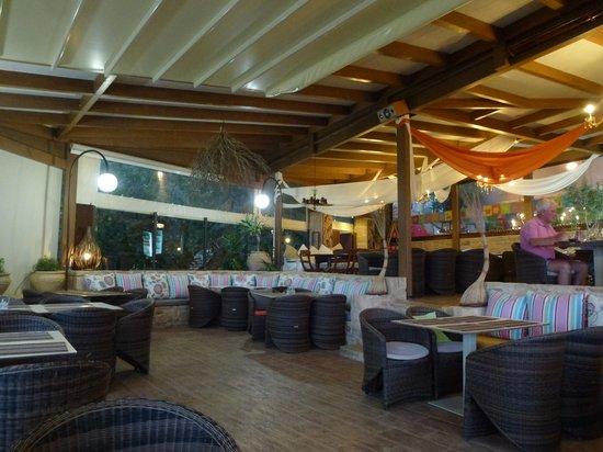 Vrisi: The restaurant