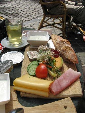 Cafe Charlemagne