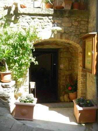 Taverna Via di Mezzo: Entrata ristorante