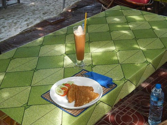 The Small Hotel: breakfast on the beach