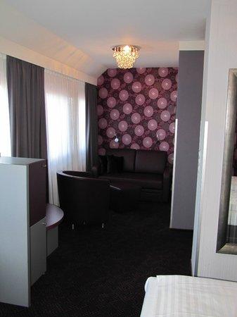 Hotel Viennart am Museumsquartier: Sofá cómodo