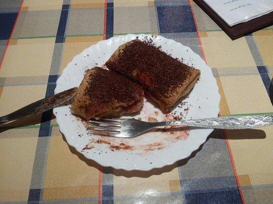 Russkie Blini: Dessert blini with banana and chocolate for 100 rub.