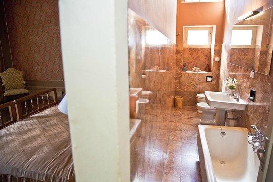 Palazzo Pucci B&B: bagno esclusivo