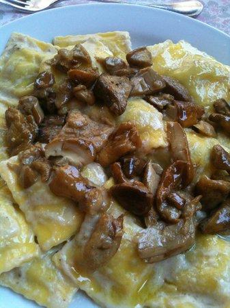 Ristorante Tre Abruzzi : Ravioli ai finghi porcini