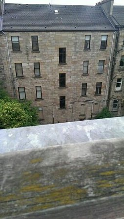 Devoncove Hotel Glasgow: wow what a view ( not)