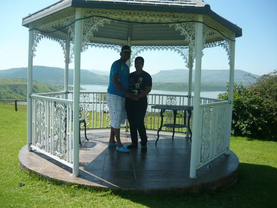 Blue Haze Country Lodge: Taking our wedding vows again