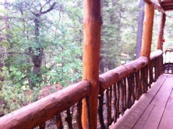 Bottlehouse Cabins: Travis Cabin - side deck