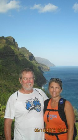 Sealodge at Princeville: Hiking the Kalalau Trail on Na Pali coastline