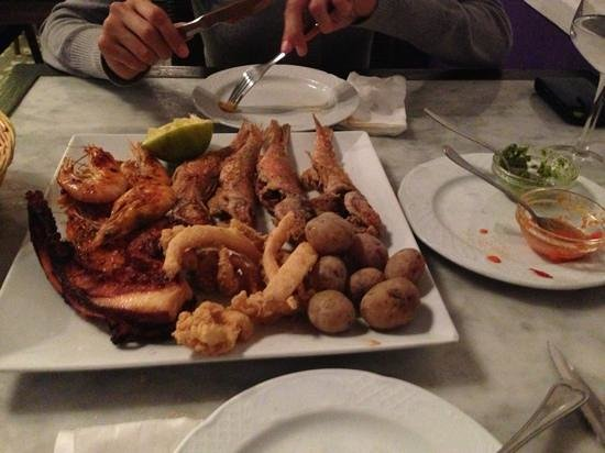 La Hierbita: variado de pescados