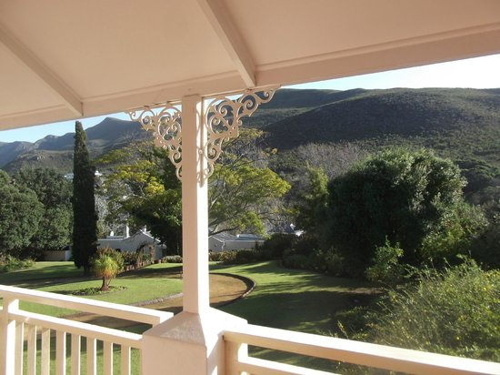 Robin's Nest Guest House: Hermanus Hills and Groun