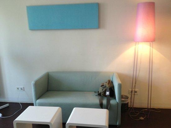 STANYS Das Apartmenthotel: living room