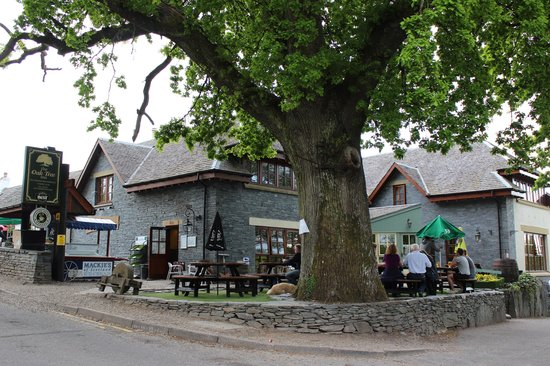 The Oak Tree Inn: The Outdoor Seating