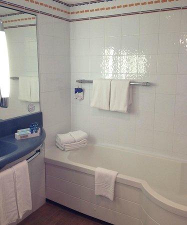 Novotel Barcelona Sant Joan Despi: Bathroom
