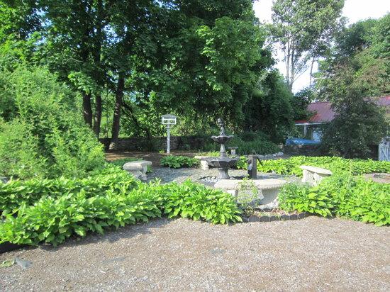 The Brewster Inn: The Garden