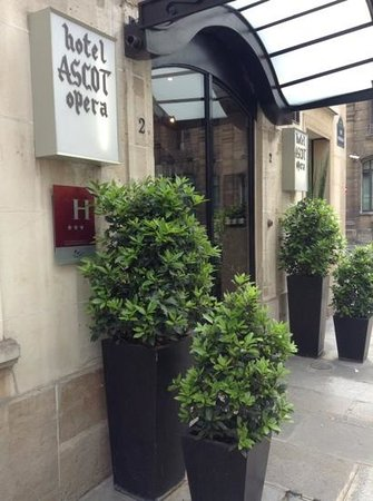 Hotel Ascot Opera: hotel front