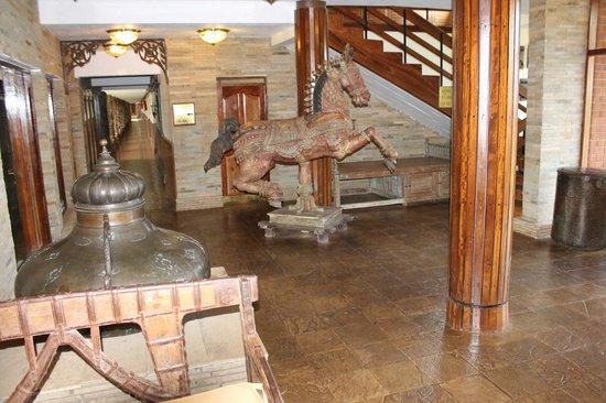 Lake Manyara Wildlife Lodge: Super nice lobby