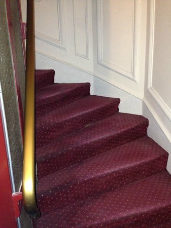 Hotel Corona Rodier: The worn out staircase