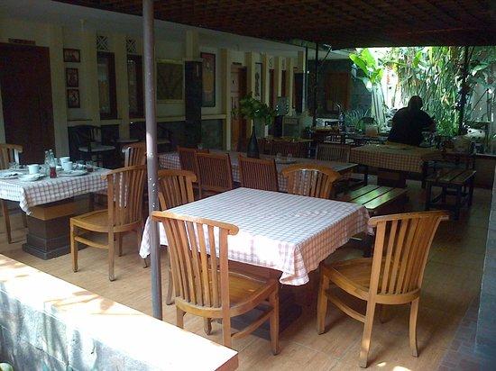 de' Tropis Guest House: nice