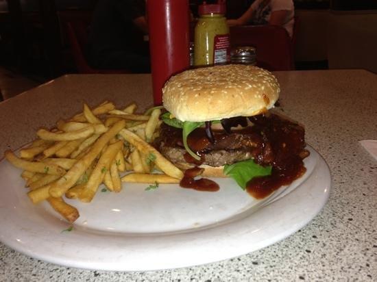 Benash Delicatessen : BBQ Burger - Einfach lecker!