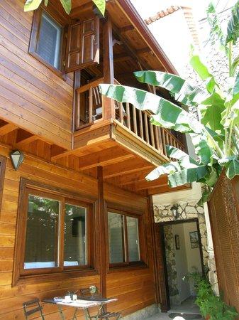 Hotel Villa Monte : Enterance for the upper floor rooms, HVM Cirali