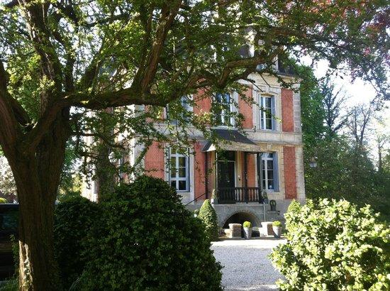Chateau les Parcs Fontaines : entrée chateau