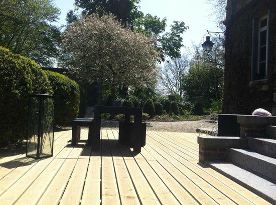 Chateau les Parcs Fontaines : terrasse