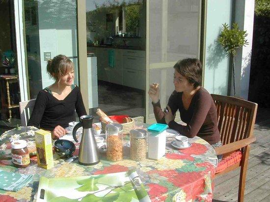 De Bosgeus: Breakfast on the terrace