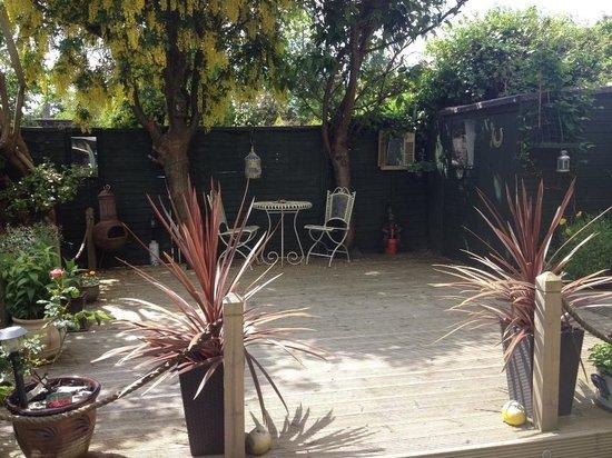 The Seanie Guesthouse: Stunning garden
