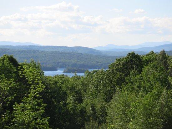 ذا بالارد هاوس إن: Lake View from the deck