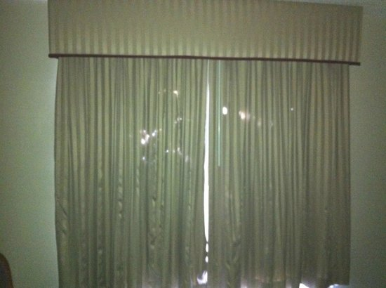 Quality Suites at Lake Wright : Curtains - this is not recent situation!