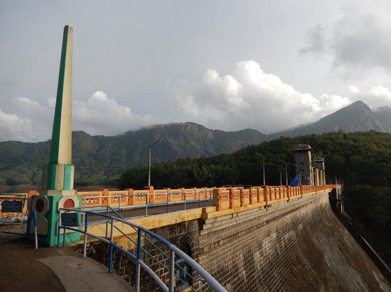 Palakkad, India: Parambikulam dam