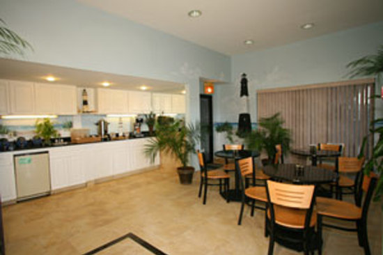 Dunes Inn & Suites: Lobby