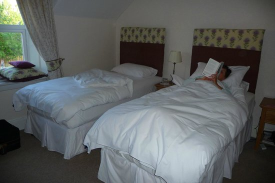 The Ness Guest House: a room