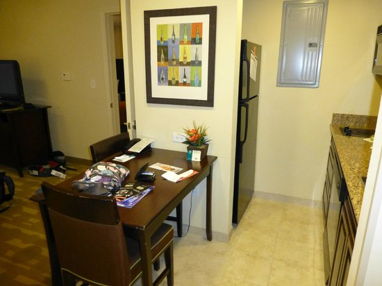 Homewood Suites by Hilton Lake Buena Vista-Orlando: kitchen/dining area