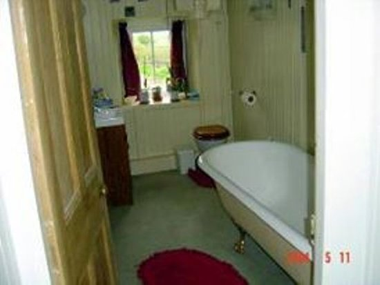 Lorbottle West Steads : Twin Private Bathroom